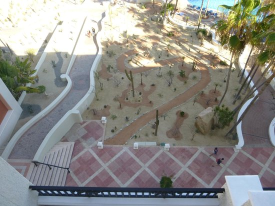 Sandos Finisterra Los Cabos: looking down into the gardens from our balcony