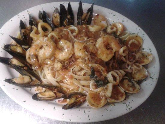 Adriano's Italian Restaurant: seafood platter