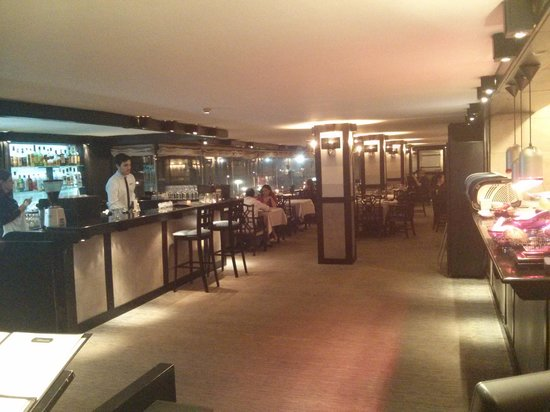 Pacific Bistro and Sushi Bar: The restaurant