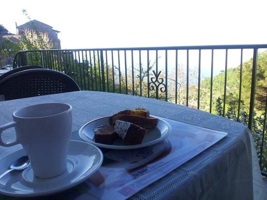 Albachiara B&B: Un panoramico e gustoso risveglio!