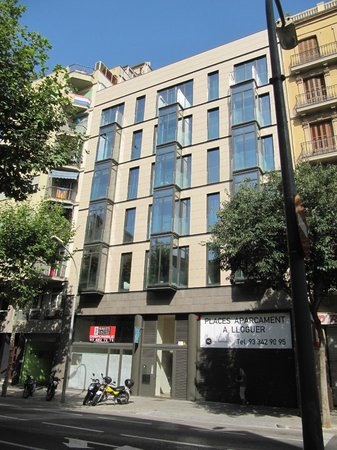 Cosmo Apartments Consell De Cent: The Outside Of The Apartments (to Help  You Find