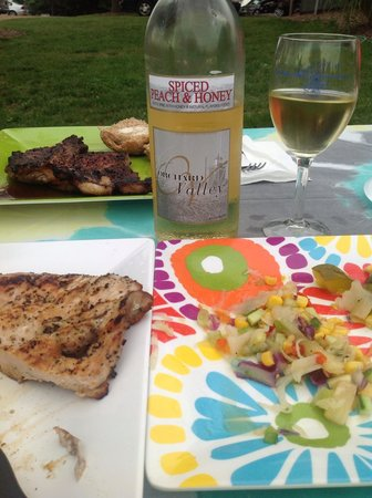 Fenn Valley Vineyards : Delicious dinner complete with wine