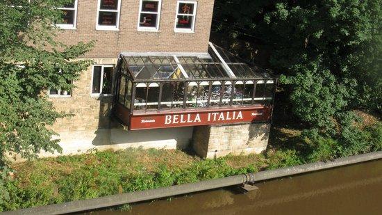 Bella Italia Durham: In a good scenic setting