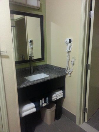 Comfort Inn - Chandler / Phoenix South: vanity area