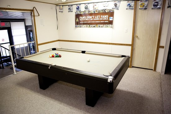 Club Naples RV Resort: Game room