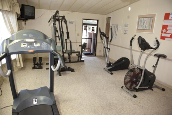 Club Naples RV Resort: Fitness center open year round