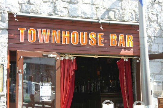 The Townhouse Bar: The outside view
