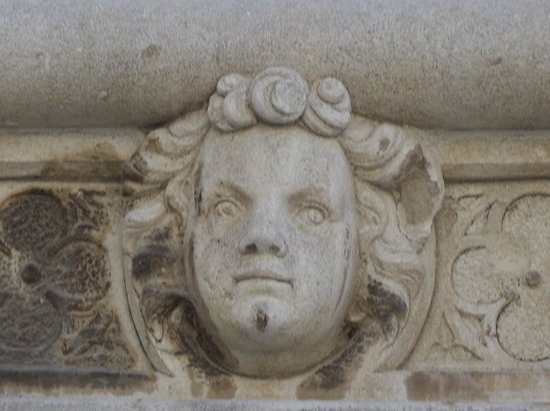 The Cathedral of St James in Sibenik: uno dei mascheroni