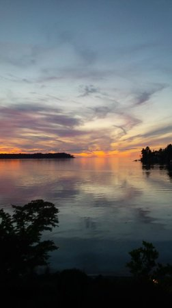 Pacific Shores Resort and Spa: Sunset from Unit 627