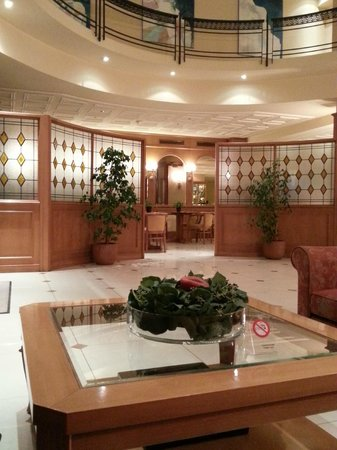 Athens Atrium Hotel And Suites Reviews