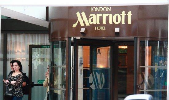 London Marriott Hotel Regents Park: front view