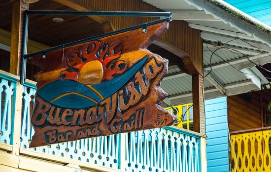 Buena Vista: Chainsaw-carved sign