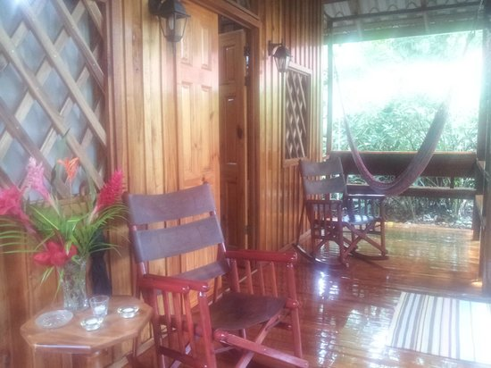 Coral Hill Bungalows : Lovely Porch