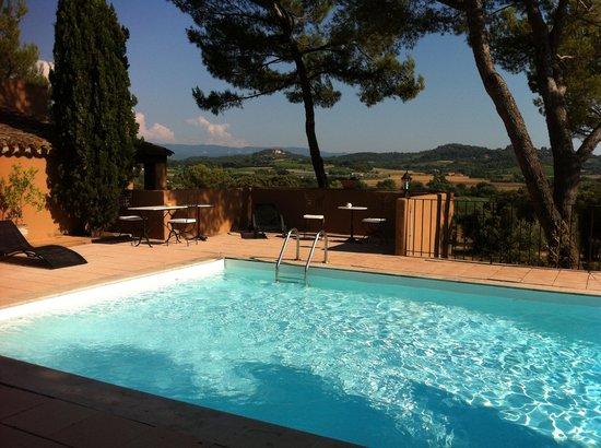 Hôtel la Clé des Champs : Vue de la piscine sur La campagne juillet 2013