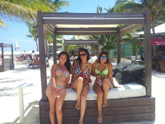 Mamita's Beach Club: Camas Mamitas