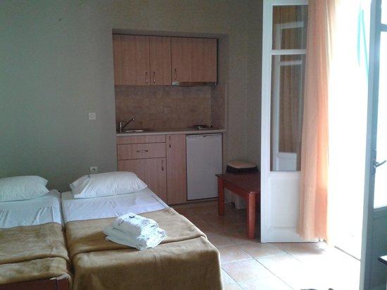 Rouda Bay Hotel: children 's beds