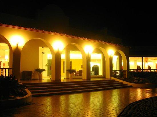 Hotel Nuevo Cantalloc: Recepción