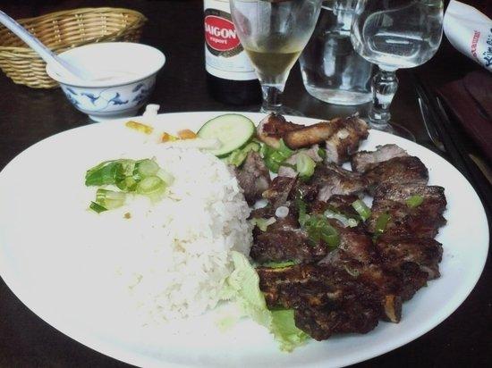 Pho Kim Saigon : Grilled pork on rice