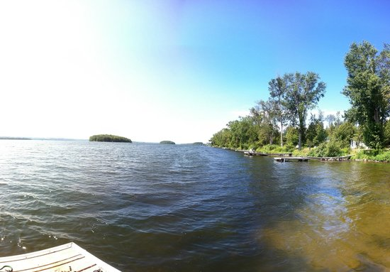 Elmhirst's Resort: A view of Rice Lake from the dock.