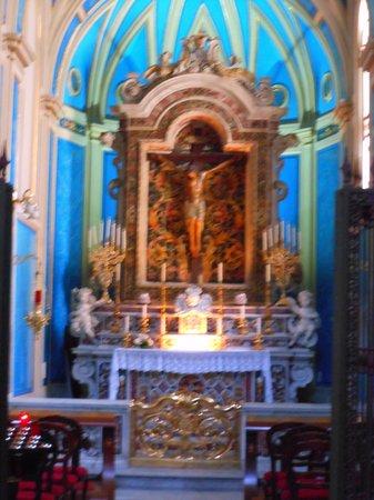 Duomo dei San Filippo e Giacomo: altare laterale