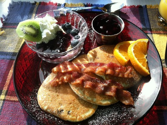 Rockmere Lodge : Wonderful blueberry pancakes! Perfectly prepared!
