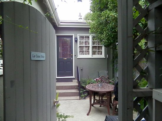 1801 First Luxury Inn: Our cottage