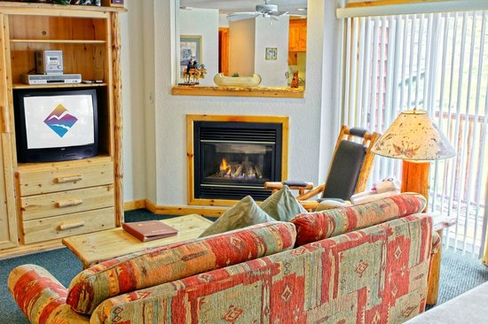 Studio Interior at the Red Wolf Lodge at Squaw Valley