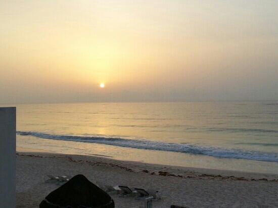 Hotel Playa Kin Ha : Amanecer