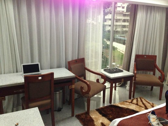 Grand International Hotel: Siting and office area