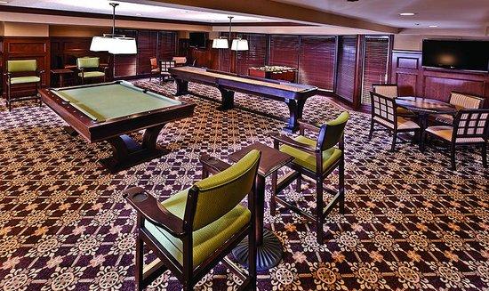 Ann Arbor Regent Hotel & Suites : Billiards Room