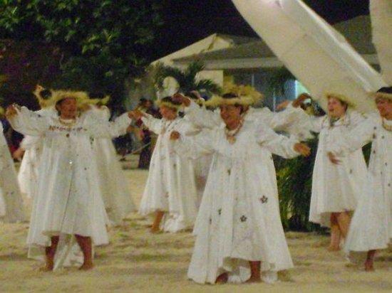 Maitai Polynesia Bora Bora: Heiva nel centro dell'isola