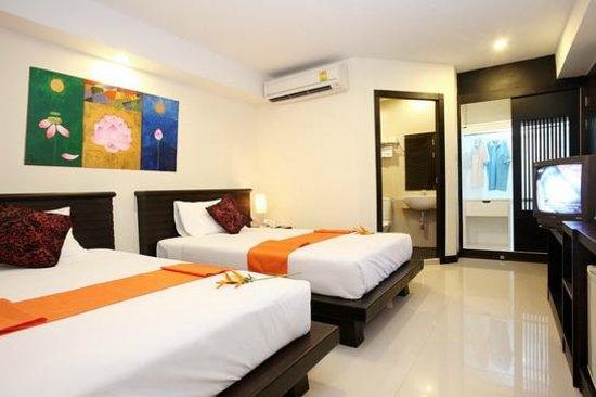 Lub Sbuy Guest House: ห้องมาตราฐานเตียงคู่ปรับอากาศห้องน้ำในตัว