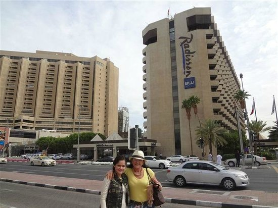 Hotel radisson blu dubai deira creek picture of radisson for Best hotels in downtown dubai