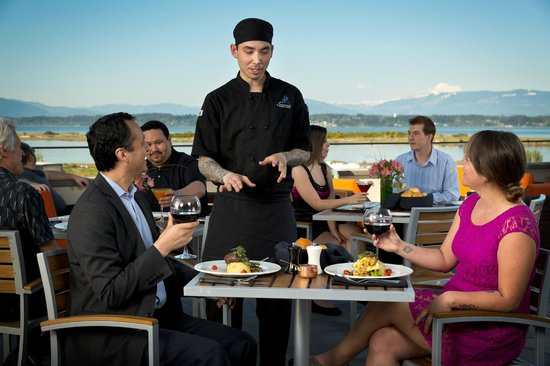 Swinomish Casino & Lodge: Scenic Outdoor Dining