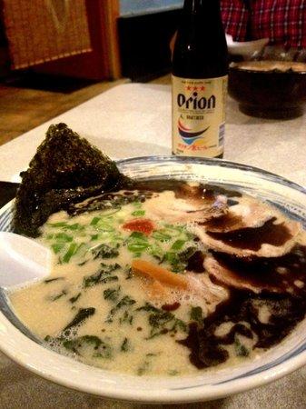 Tanpopo Ramen: Extra Negi+Chashu Pork ... Not Recommended !!! Average...