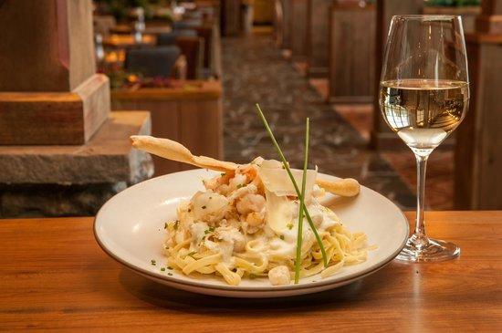 Chinook Steak, Pasta & Spirits: Wine and pasta. Mhm mhm good!