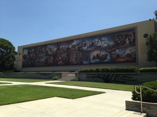 Forest Lawn Memorial Park - Hollywood Hills: Hall of Freedom