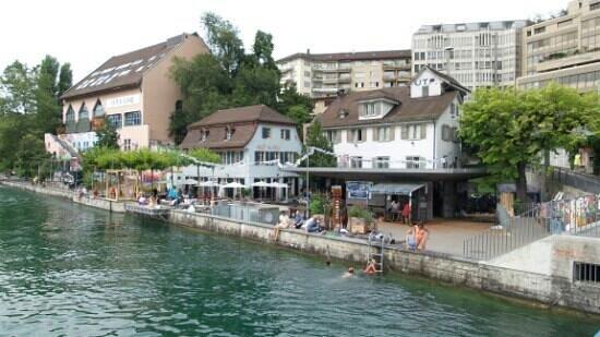 Flussbad Oberer Letten : summer has started In Zurich