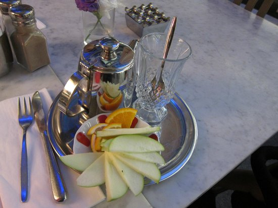 The House Cafe Istinye Park: Apple Tea
