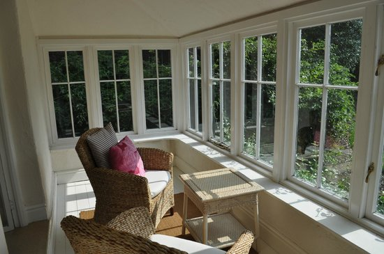 How Foot Lodge: Sunroom extending out from the bedroom