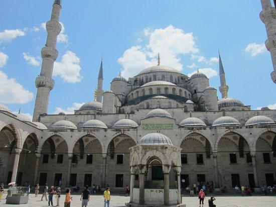 Blue Mosque - Photo de Mosquée Bleue (Sultan Ahmet Camii), Istanbul - TripAdv...