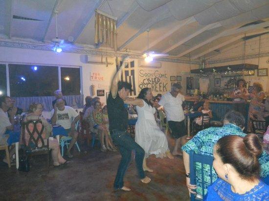Pickled Greek : the greek dances!