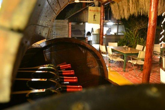 Guisandero Seafood & Woodfire Cocina: UN hermoso, calido y romantico lugar en Todos Santos, Baja Sur