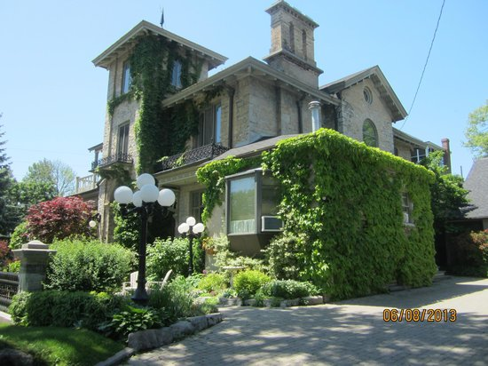 Rosemount B&B Inn: Rosemount Bed and Breakfast