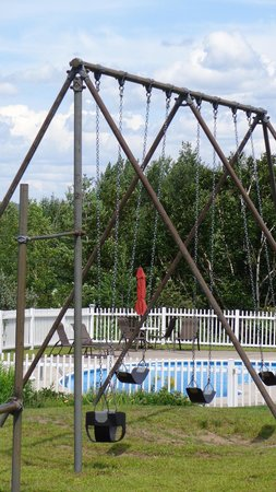 Ledge Rock at Whiteface: Swing set & pool