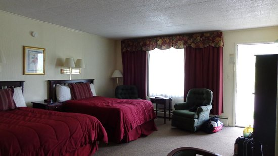 Ledge Rock at Whiteface: Room #3 - ground floor