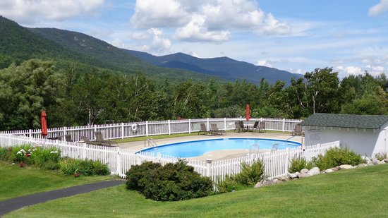 Ledge Rock at Whiteface: Pool