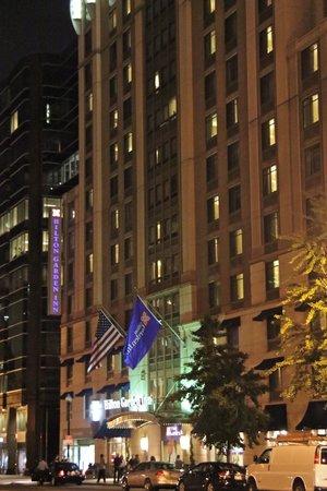 Hilton Garden Inn Washington, DC Downtown: nighttime