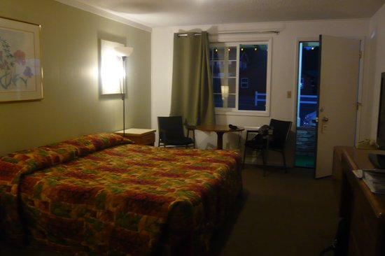 Motel 101 : Bedroom