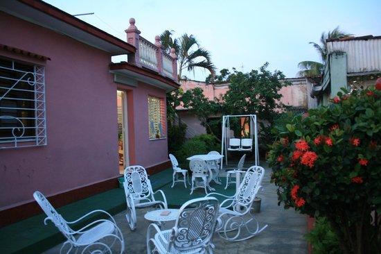 Casa Particular Gina Margarita Sierra: El jardín